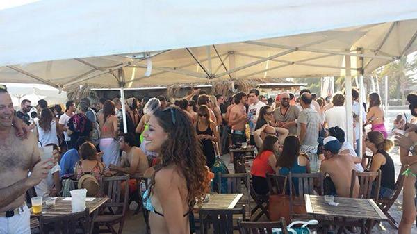 Confetti Barraca en la playa de Alicante
